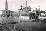Δεμένο στο Πορτ Σάϊδ έμοιαζε περισσότερο με προέκταση του προβλήτα  και των λιμενικών εγκαταστάσεων παρά με πλοίο!