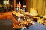 Φωταγωγημένο, στο  σπίτι πια του... ναυπηγού του!